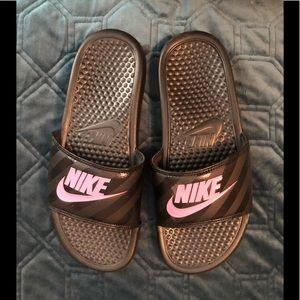 Nike Size 8 Slides
